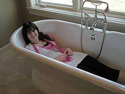 Megan tub