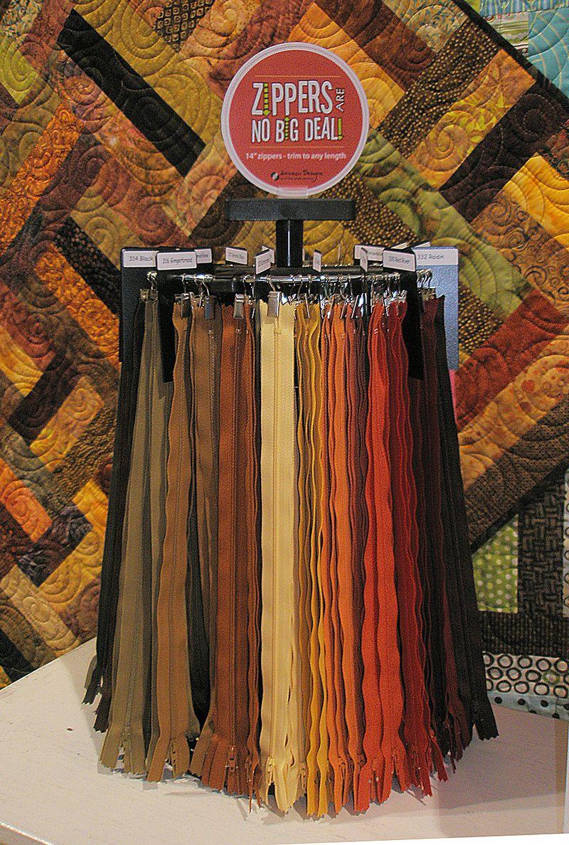Zipper rack dark